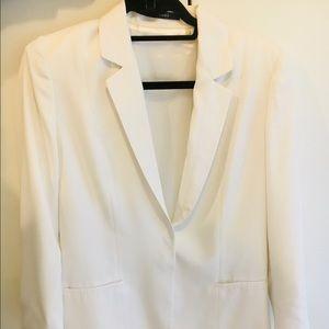 Tahari white blazer with white stitching US size 6